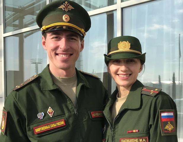 Старшие лейтенанты Шубенков и Ласицкене
